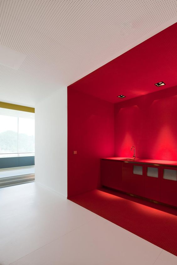 There Are So Many Ways To Use Colour Make The Best Of Your Office Space That Go Beyond Simple Aesthetics Take A Look At Some Examples Below